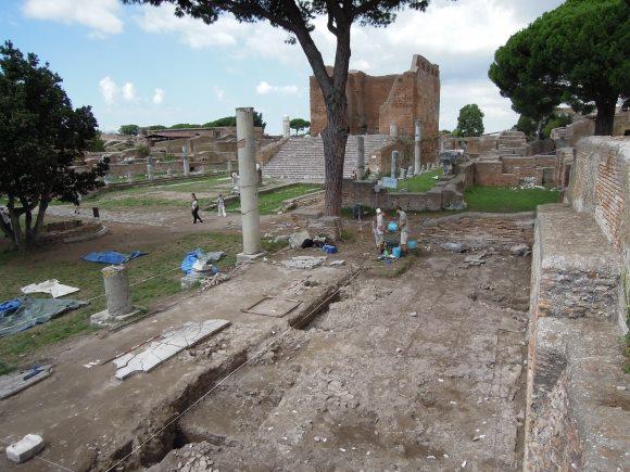 L 39 cole fran aise de rome recrute un topographe g omaticien for Emmerre arredamenti ostia antica orari